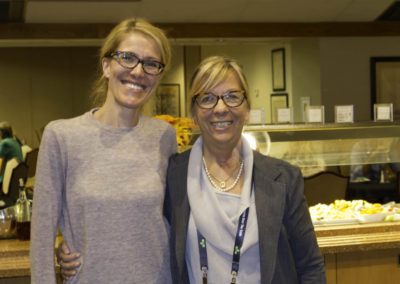 Dr. Cynthia Gariépy and Dr. Marlène Boudreault enjoying a healthy lunch at the conference.