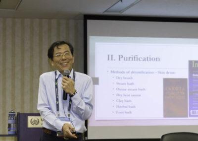 Dr. Lichuan Chen gives an entertaining lecutre!